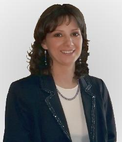 Németh Marianna Cégvezető (A női precizitás megtestesítője a cégben)